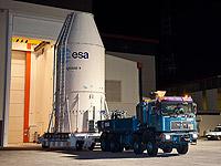 Transfer des Satelliten Azerspace/Africasat-1a auf dem Raumfahrtbahnhof in Kourou