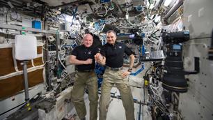 Scott Kelly (und Michail Kornijenko) feiern ihren 300. Tag im All.