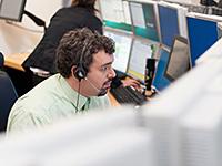Il controllore di volo responsabile dei computer all'interno di Columbus (DMS).