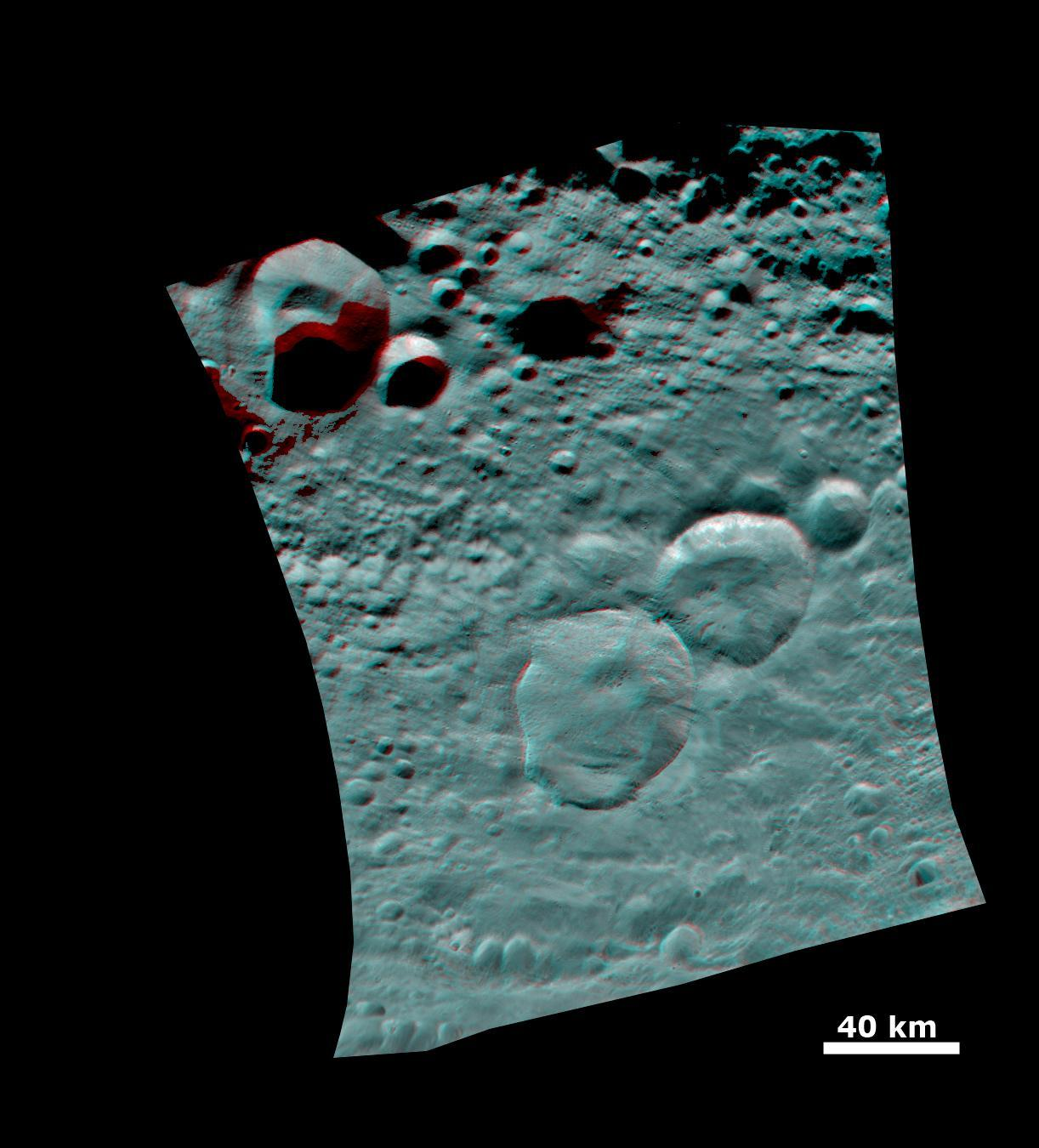 Anaglyphs of the 'Snowman Crater'