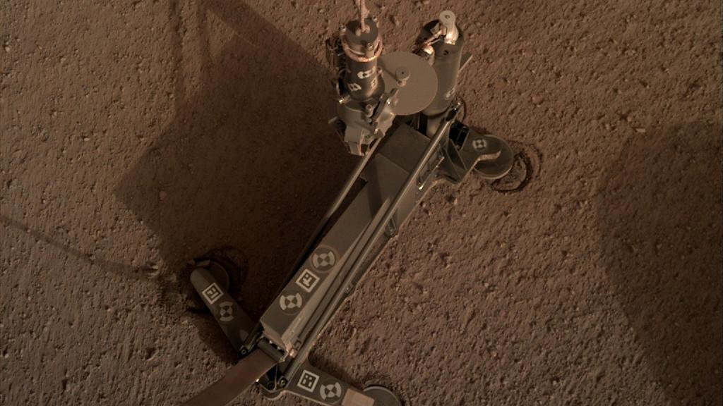 HP3 on the Martian surface