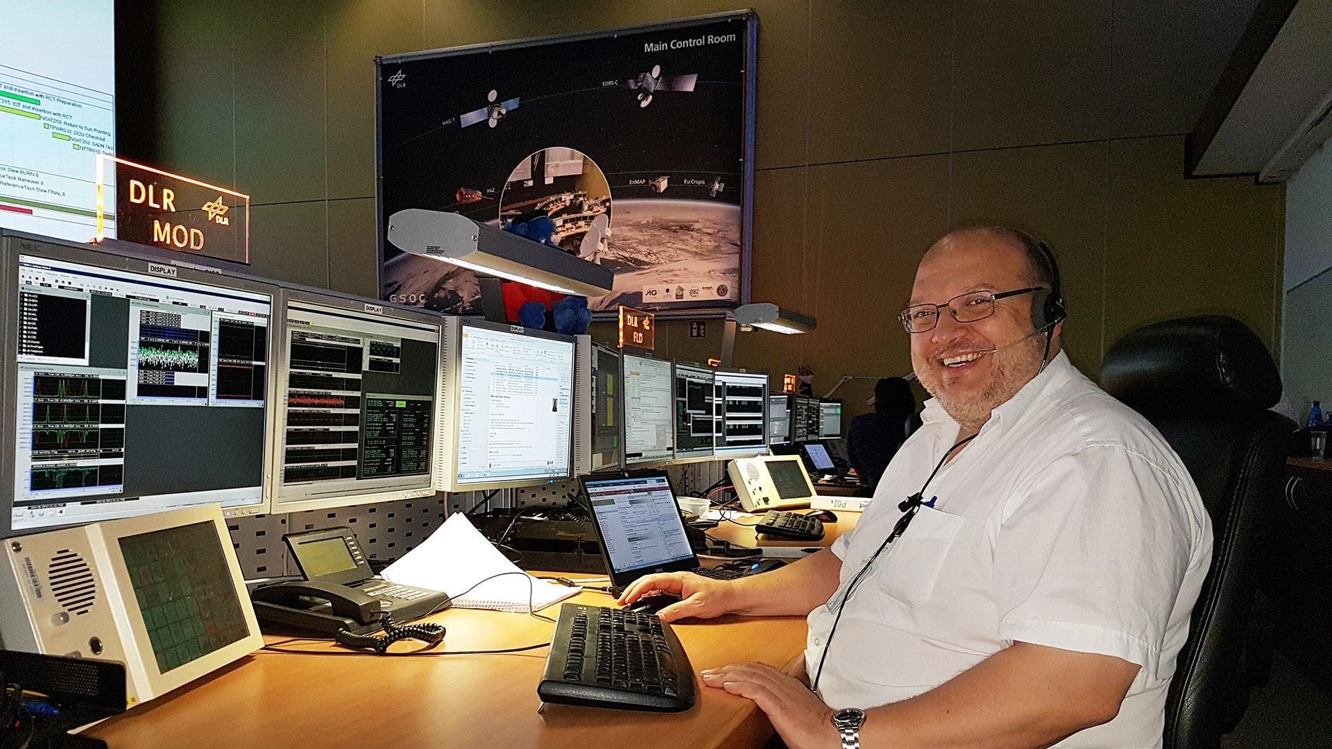 Ralf Faller in the EDRS control room