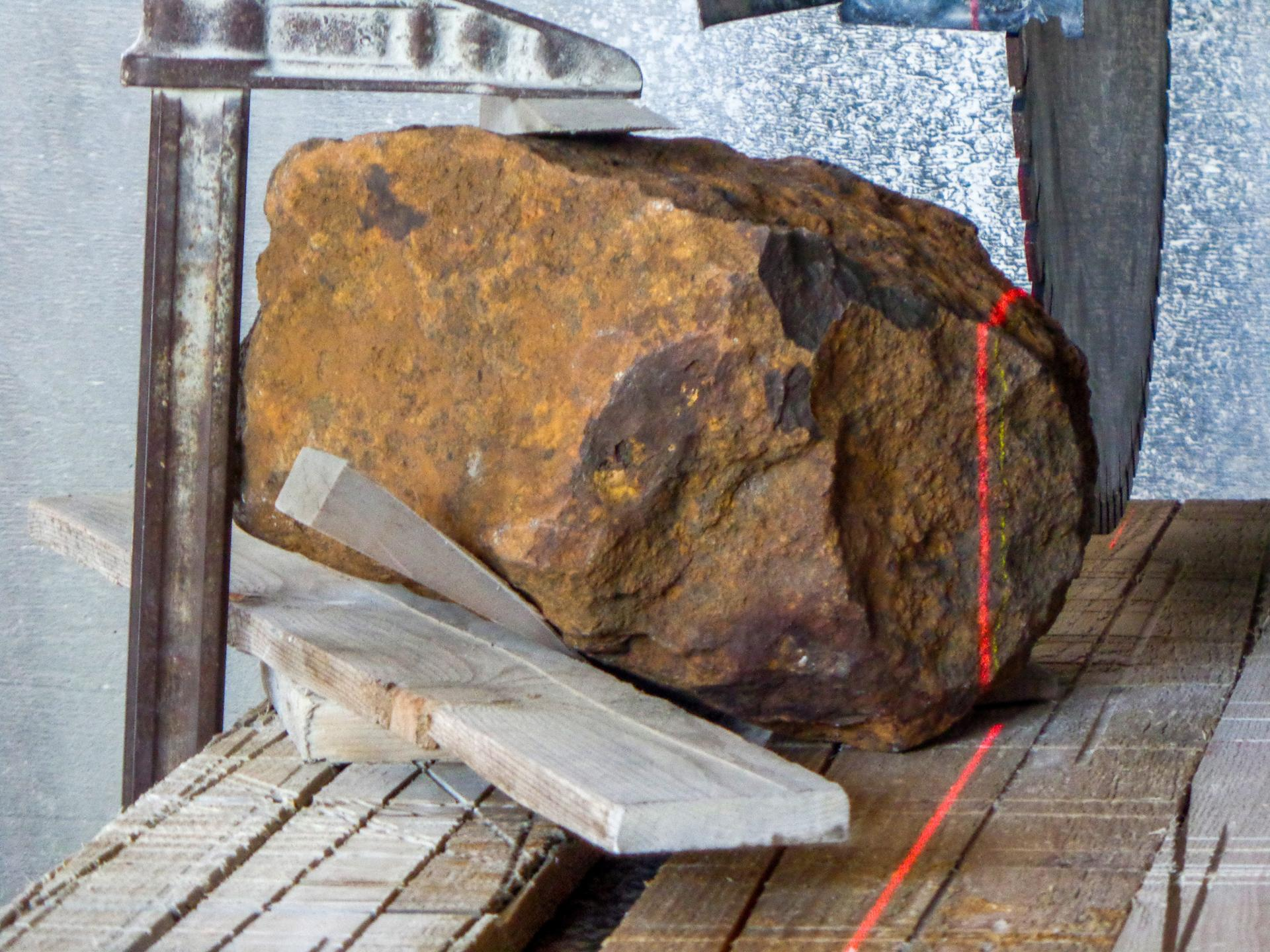 Laser guided stone saw – the opening of 'Blaubeuren'