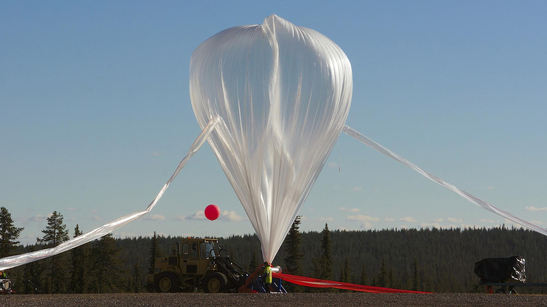 Research balloon BEXUS prepared for launch