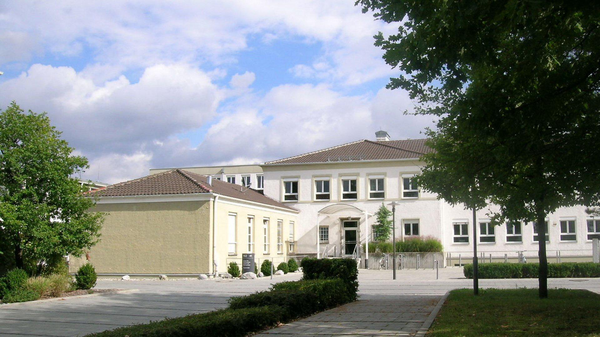 The main building of the Microwaves and Radar Institute at the DLR site at Oberpfaffenhofen