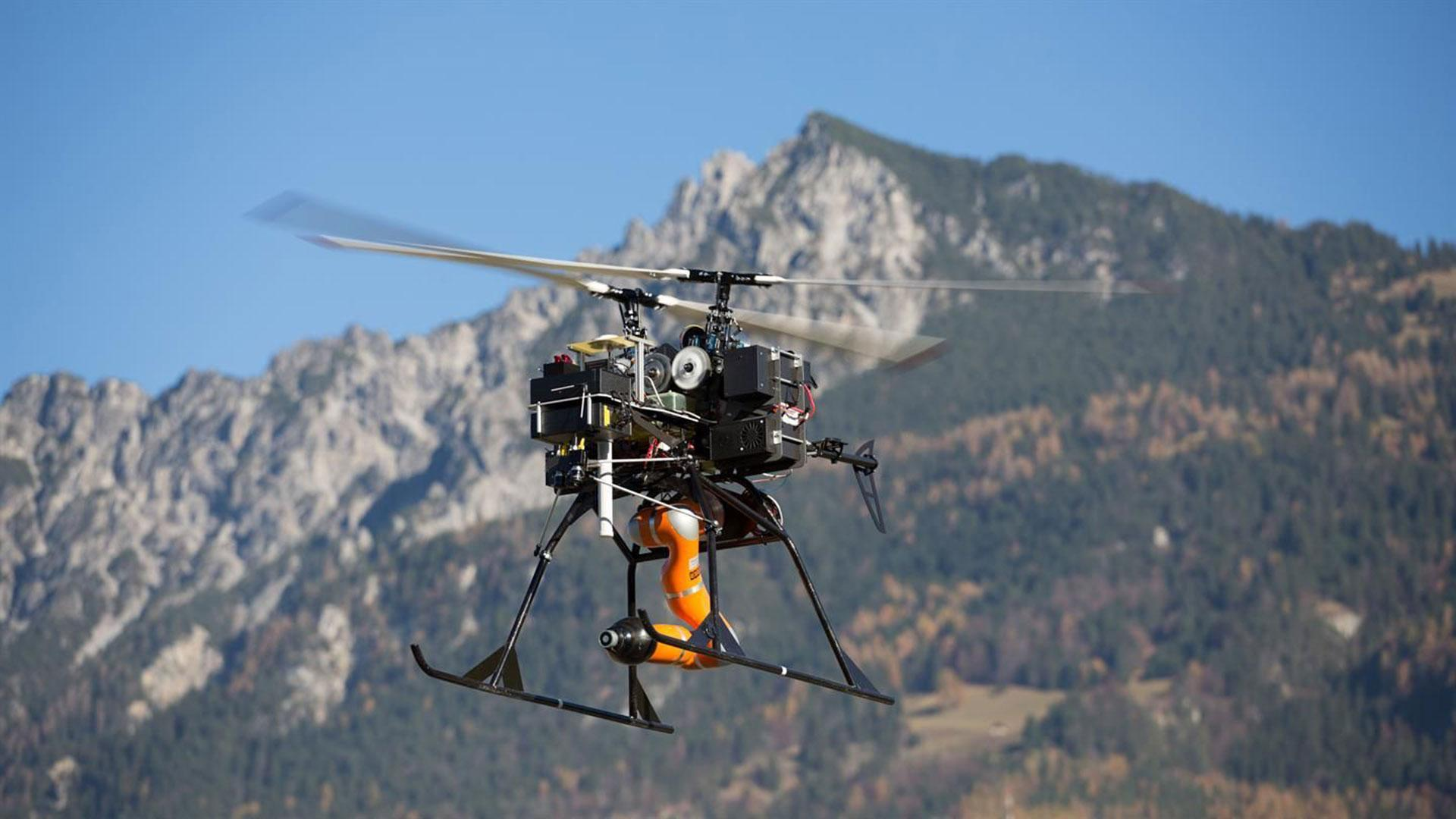 DLR Flight Robots: Robotic Technologies for Airborne Applications