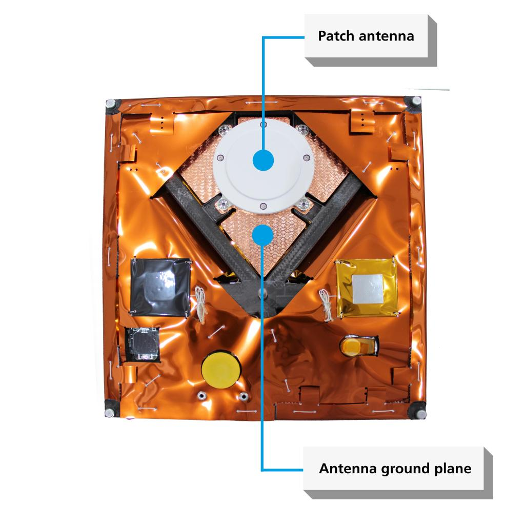 The antenna ground plane, specifically influencing the emission characteristics of the lower patch antenna, is also made of CFRP fabric