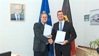 Bundespolizei%2dPräsident Dr. Dieter Romann und DLR%2dProgrammkoordinator Sicherheitsforschung, Dr. Dennis Göge