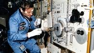 Bei der Arbeit im Spacelab