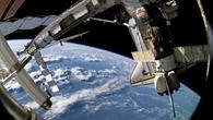 Reiters Aussicht bei der Arbeit im freien Weltraum