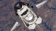 Raumfähre Discovery nähert sich der ISS