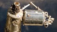 Blick von der Raumfähre Atlantis auf das Columbus%2dLabor