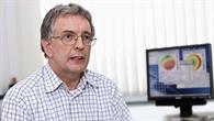 Dr. Alan Harris in seinem Berliner DLR%2dBüro