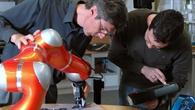 Schwerpunkte vom Industrieroboter bis zur Medizintechnik