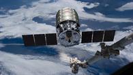 Cygnus Orbital%2d2 nähert sich dem Roboterarm