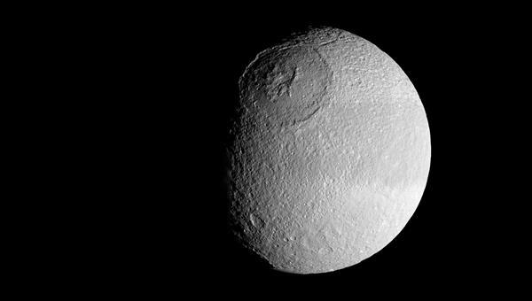 Der Krater Odysseus auf Tethys