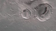 Anaglyphenbild der beiden Krater Danielson und Kalocsa