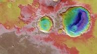 Topographische HRSC%2dBildkarte der Krater Danielson und Kalocsa