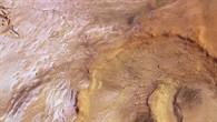 Senkrechte Farb%2dDraufsicht des Hooke%2dKraters