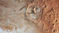 Bodenfrost im Krater Hooke auf dem Mars