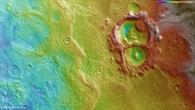 Topographische Bildkarte des Nordwestens von Hellas Planitia auf dem Mars
