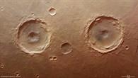 Krater in Thaumasia Planum