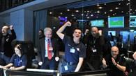 Freude über den Empfang des ersten%2dSignals von Rosetta