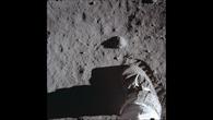Erste Spuren von Menschen auf dem Mond
