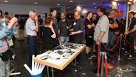 Besucher informieren sich über Philae