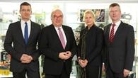 Zu Besuch im DLR: Staatsekretär Uwe Beckmeyer