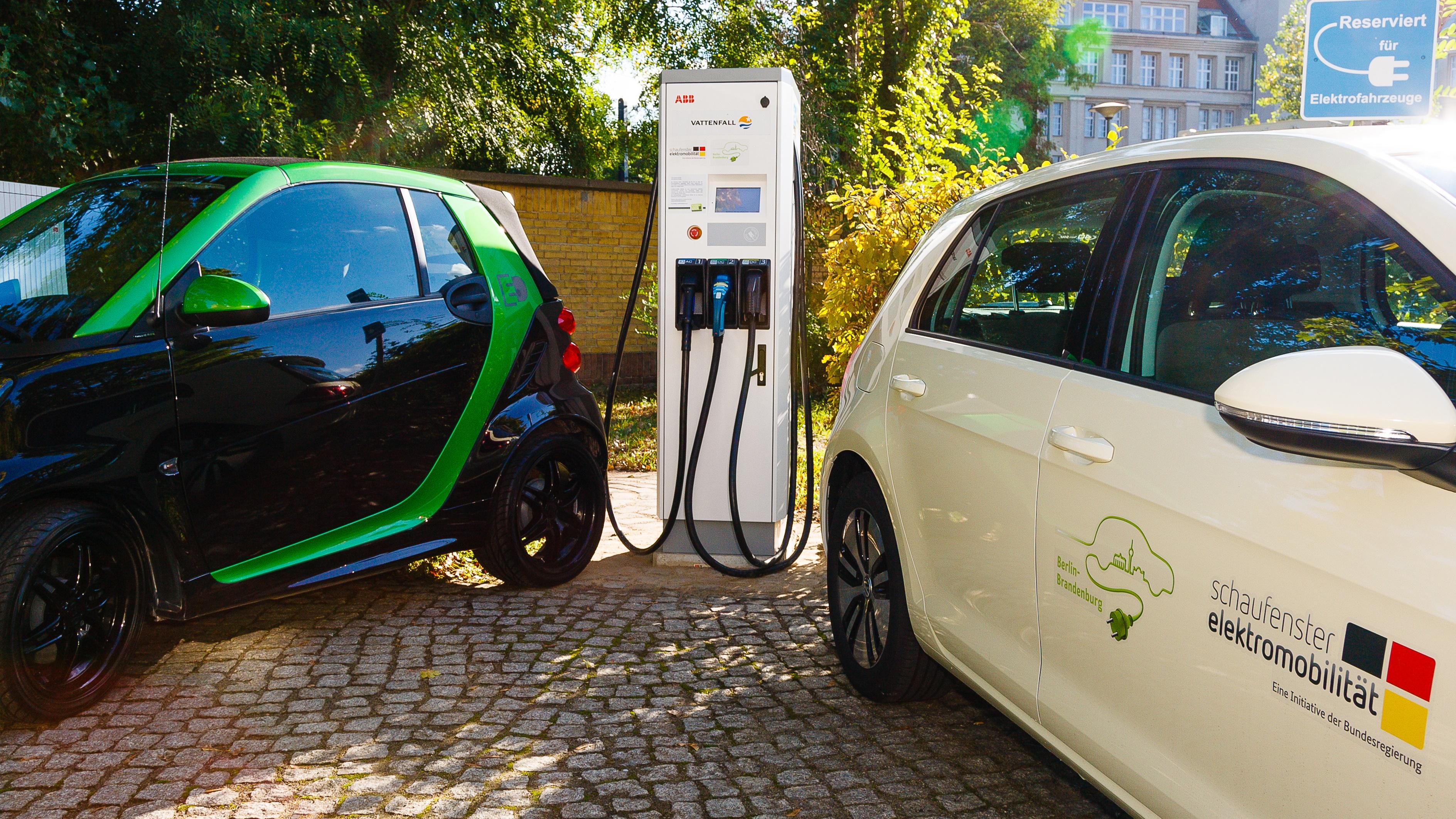 Flexibles und schnelles laden von elektrofahrzeugen for Indischer laden berlin
