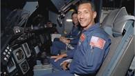 Charles Frank Bolden, Jr. beim Astronautentraining am 9. Juli 1993.