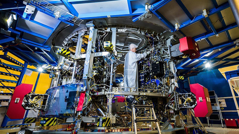 Neuer Aufbruch zum Mond - Erstes Servicemodul für das Orion-Raumschiff ist fertig