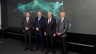 Wirtschaftssenator Horch besucht das DLR Hamburg