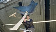 Experiment mit Flugzeugmodell