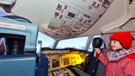 Im Flugsimulator des DLR_School_Labs Göttingen