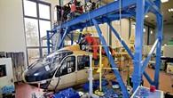 Aufgehängter Hubschrauber