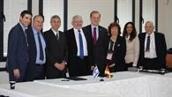 Gruppenbild aller Beteiligter von ISA und DLR