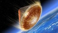 Raumkapsel beim Wiedereintritt in die Erdatmosphäre