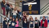Das Team des DLR_School_Lab Köln mit den Schülerinnen des Ursulinengymnasiums