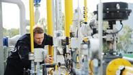 Ingenieur Francois Hübler überprüft die Erdgasregelung