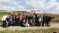 Die Teilnehmer der CVA Summerschool freuen sich über den gelungenen Raketenstart.