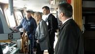 An Bord des Schiffs werden neue nautische Systeme getestet.