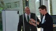 Der Bundesumweltminister Altmaier besuchte am 24. Mai 2013 den DLR-Standort in Neustrelitz.