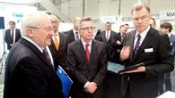 DLR empfängt Bundesinnenminister de Maizière auf der CeBIT