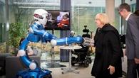 Begrüßung durch DLR%2dRoboter Rollin' Justin