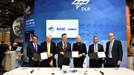 Unterzeichnung des Kooperationsvetrags zwischen DLR, Airbus Defence and Space und Tesat Spacecom