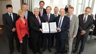 Vier Forschungseinrichtungen, darunter das DLR, wollen die Kraft der Sonne gemeinsam für die Solarforschung nutzen