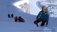 Ralf Dujmovits im Aufstieg entlang des Firngrats