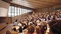 Ein gut gefüllter Hörsaal